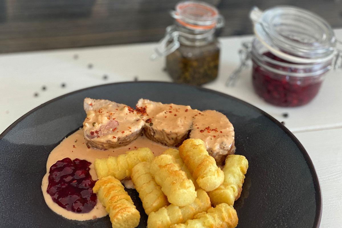 Schweinefilet mit Pfeffer-Rahm-Sauce