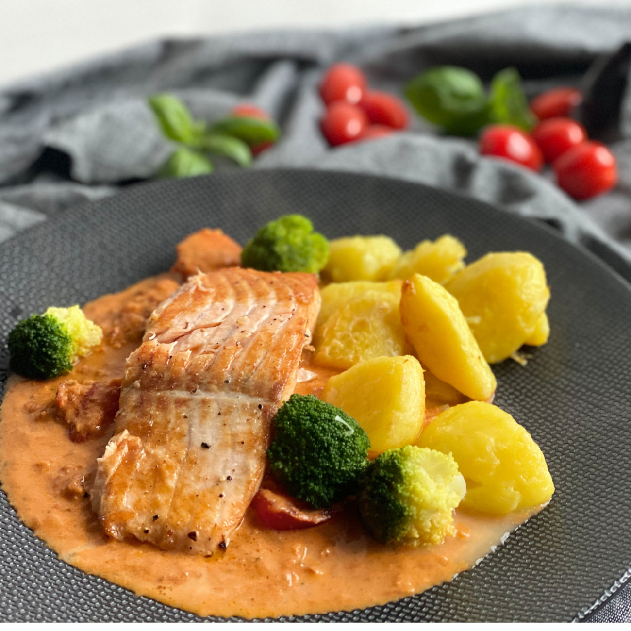 lachs_in_tomatensauce_insta