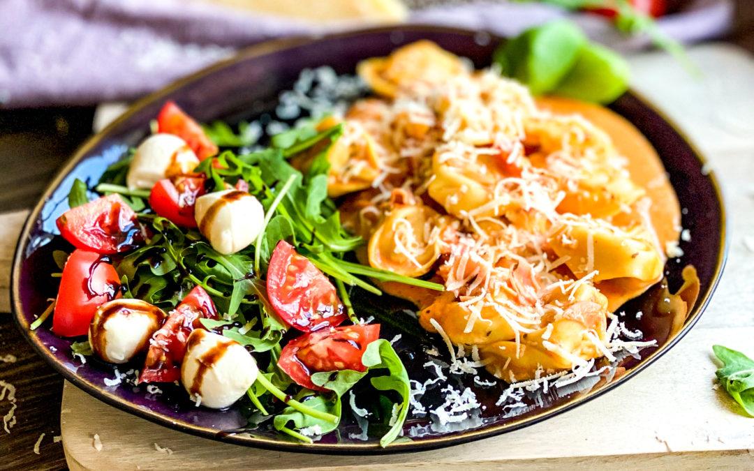 Tortellini in Tomaten-Schinken-Sahne-Sauce