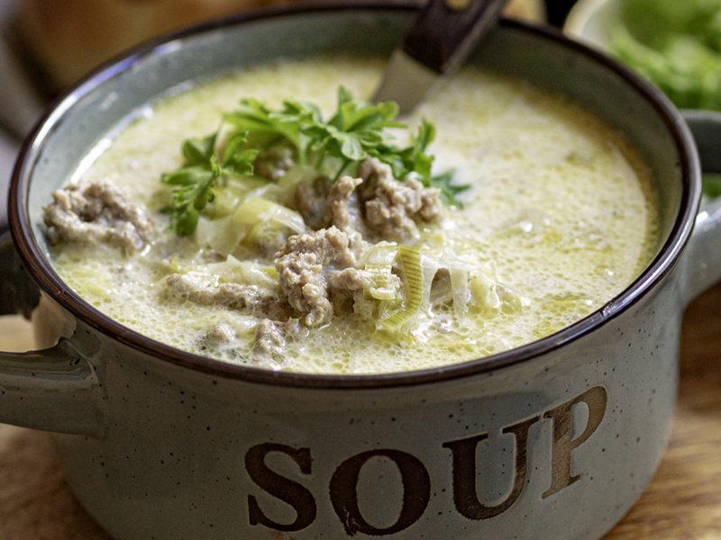 Käse-Hackfleisch-Lauch Suppe